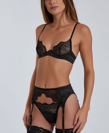 Lingerie set with garters